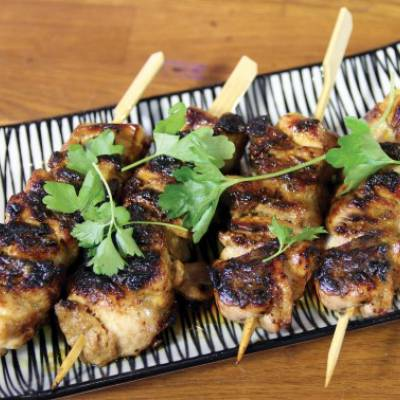 Chicken skewers with Virgino garlic oil