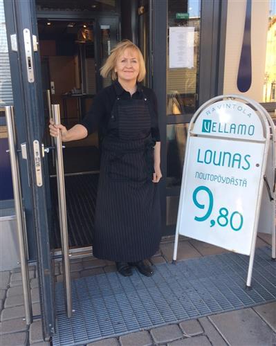 Vellamo-ravintolan omistaja Sanna Virtanen: