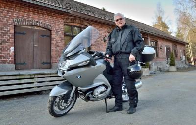 Mies Virginon takana - Timo Kämärillä on sata lasissa eläkeiässäkin