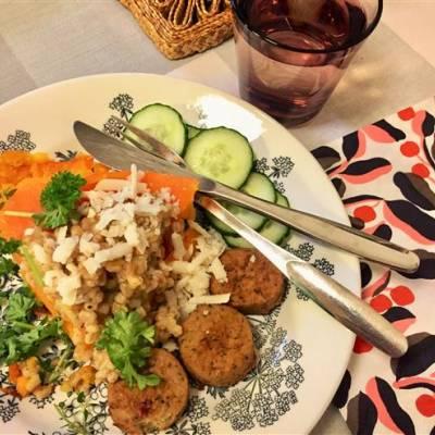 Vegaaninen kurpitsarisotto ja falafel-pyörykät