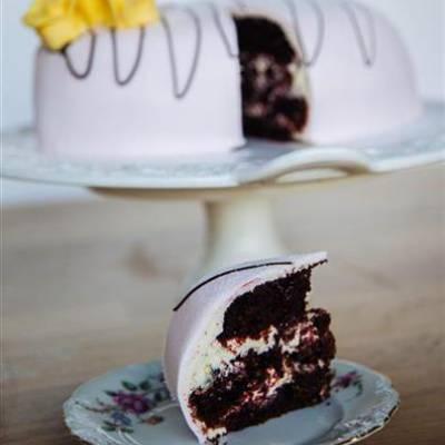Passion red velvet -kakku