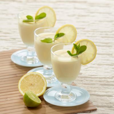 Ananas-jogurttijuoma