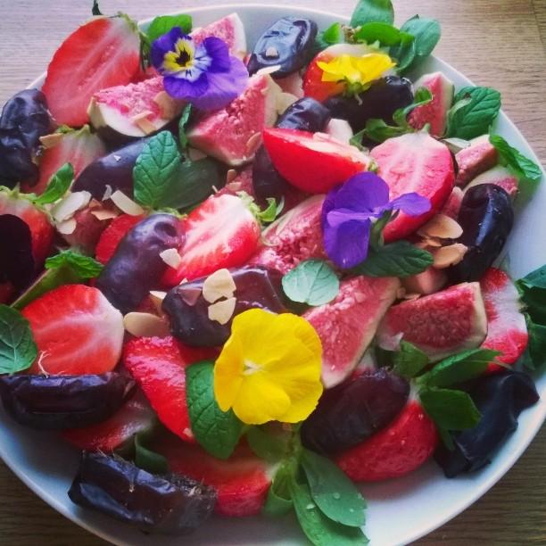 Lähi-idän hedelmäsalaatti