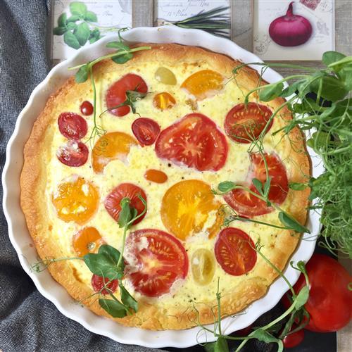 Gluteeniton tomaattipiirakka illanistujaisiin